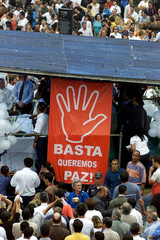 Antonio Palácio de Oliveira, o garçom que serviu o último jantar do prefeito antes de ser sequestrado, morreu em um acidente de moto, em 2003. Ele teria sido perseguido por dois homens antes de bater em um poste, na zona leste de São Paulo. A polícia concluiu que houve um roubo seguido de morte
