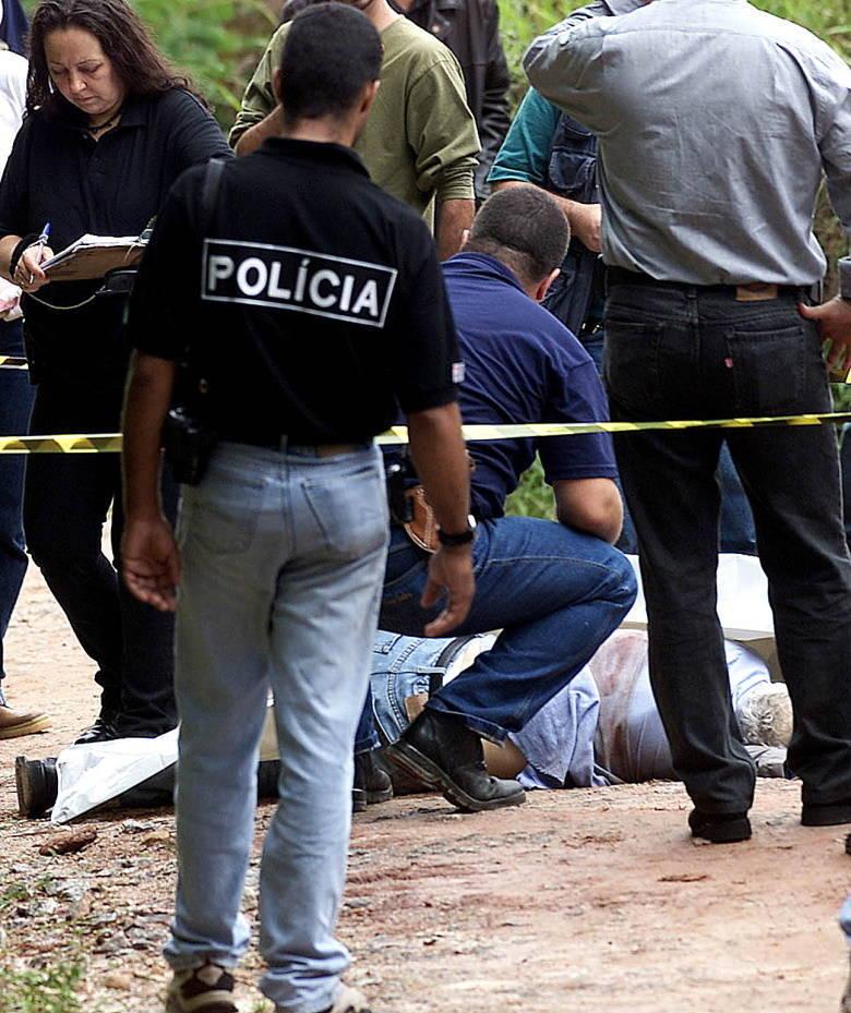 Otávio Mercier, investigador da Polícia Civil que teria trocado telefonemas com Dionísio de Aquino Severo, após a fuga do suspeito da penitenciária, foi morto a tiros, em 2003