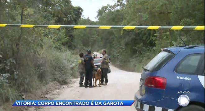 Vitória foi encontrada em área de mata próxima de estrada de terra, em Caxambu