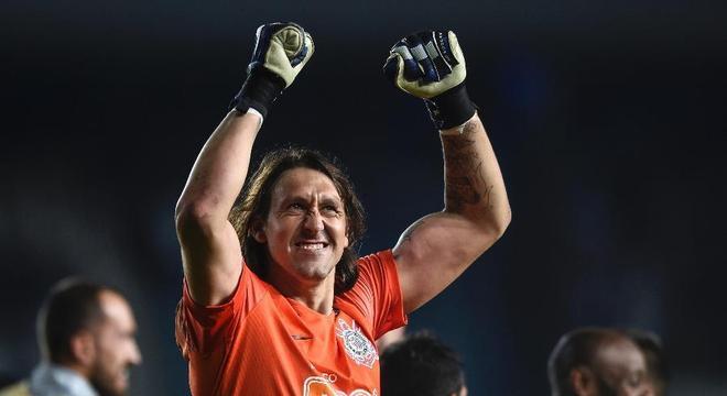 Cássio tem sido fundamental para salvar o Corinthians medroso de Carille