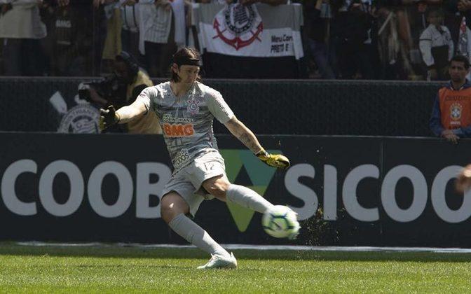 CÁSSIO - Corinthians (C$ 8,35) - Com quatro jogos seguidos sem sofrer gol, o Timão é a equipe em melhor momento defensivo. Atuando em casa contra um Goiás que só marcou um gol nas últimas três partidas que disputou, tem potencial para uma boa pontuação na partida desta segunda na NeoQuimica Arena.
