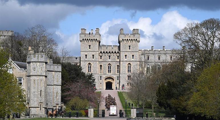 Cerimônia acontecerá no castelo de Windsor, sem presença do público
