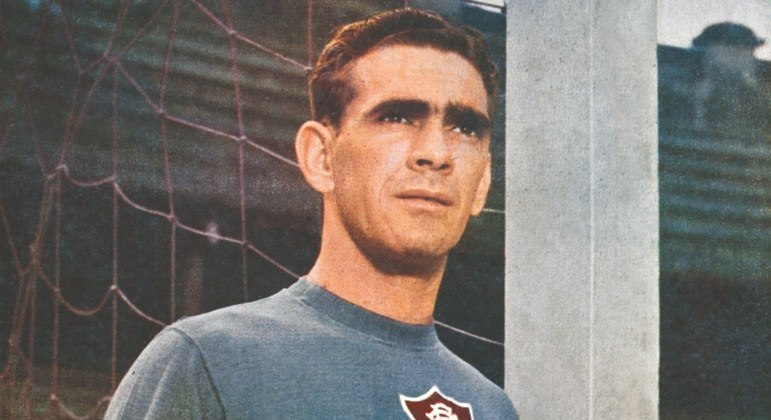 Castilho - Com 698 jogos, o goleiro é o recordista em partidas pelo Fluminense. Ele esteve na equipe de 1946 até 1965 e foi tricampeão carioca, bicampeão do Torneio Rio-São Paulo, campeão do Torneio Municipal do Rio e vencedor da Copa Rio de 1952. Foi exemplo de amor à camisa e amputou o dedo mindinho para voltar mais rápido aos gramados no Flu.