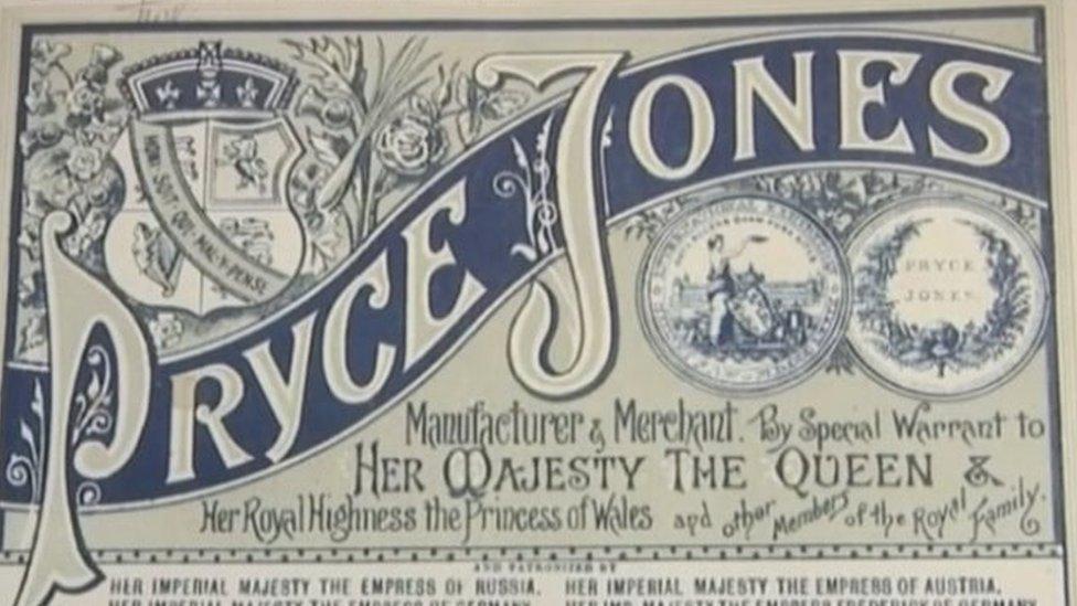 Acredita-se que o catálogo Pryce Jones tenha sido o primeiro catálogo de mala direta quando começou, em 1861