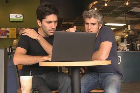 Nev Schulman e Max Joseph, apresentadores do Catfish