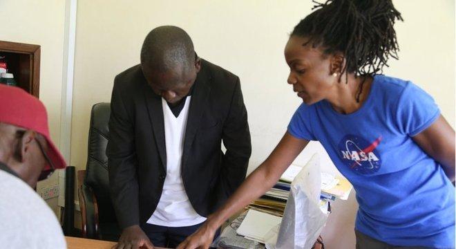 Nakalembe trabalha com as autoridades locais para ajudar a melhorar as políticas agrícolas
