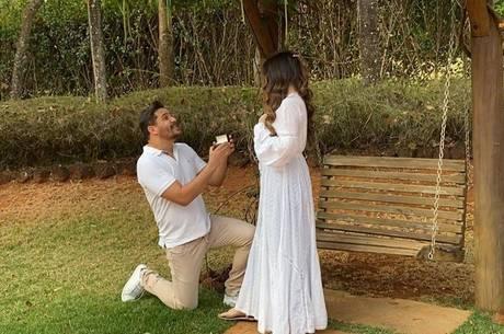 Cauan surpreendeu Mariana com pedido de casamento