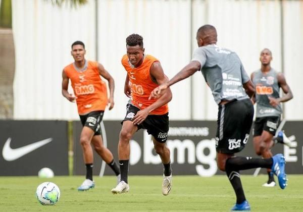 Cauê - atacante - 18 anos - Chegou ao clube em 2019 e é um dos destaques do sub-20 do Corinthians. Considerado um reserva ideal para Jô, foi chamado por Mancini para treinar com o profissional.