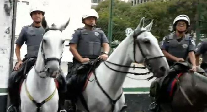 Cavalaria da PM prendeu homem que tentou fugir de carro