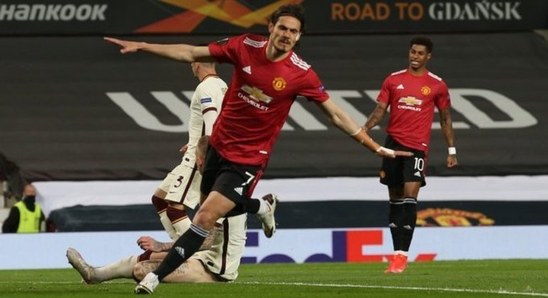 Edinson Cavani, o piloto do triunfo do United sobre a Roma, 6 X 2