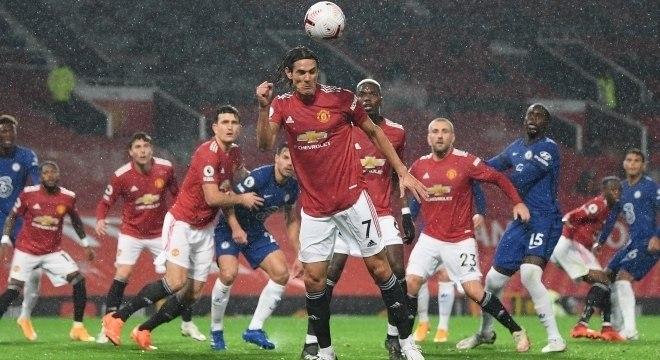 Atacante uruguaio Cavani estreia com a camisa do Manchester United
