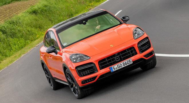 Cayenne Turbo e E-Hybrid são duas novas versões do luxuoso e esportivo crossover alemão
