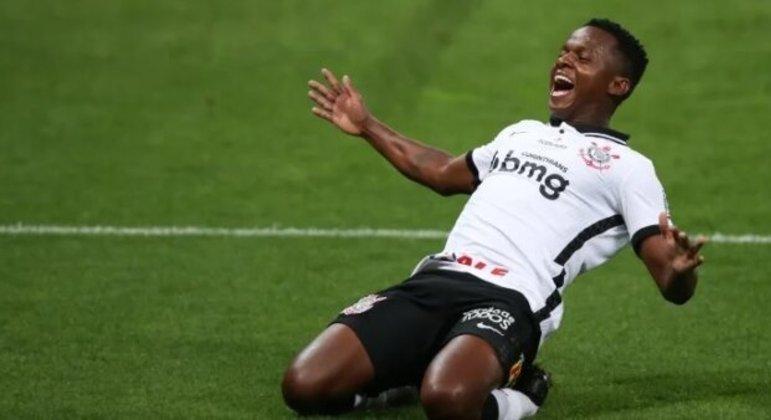Cazares foi liberado para acertar sua ida para o Fluminense. Vaga aberta para Luan