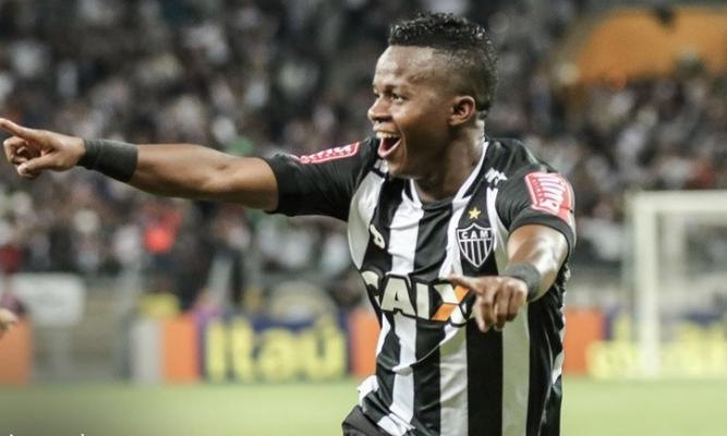Cazares deve ser anunciado como jogador do Santos. Negociação adiantada