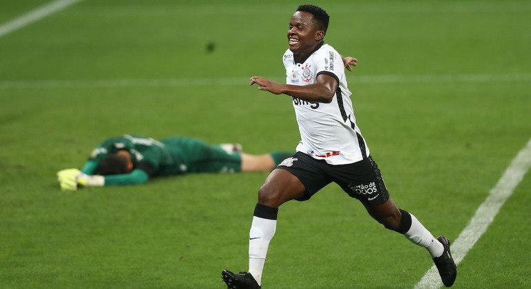 Cazares voltou a levar o futebol a sério. E teve ótima atuação na goleada do Corinthians