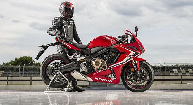 CBR 650R tem perfil esportivo e visual inspirado na Fireblide de 1000cc