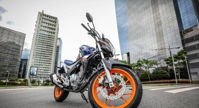 CB250F encareceu em R$ 300 na série especial tanto no modelo com freio CBS quanto no ABS