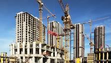 IBGE: Setor da construção emprega e paga menos desde o ano de 2010