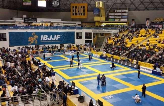 CBJJ - Jiu-jitsu: No terceiro lugar do pódio, a CBJJ soma mais de 879 mil seguidores no geral. O youtube é o que mais chama a atenção sobre a confederação, pois está em segundo na tabela geral, possuindo 185 mil incritos