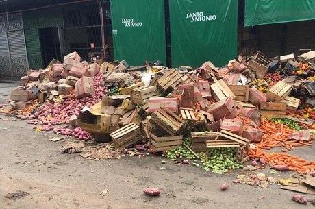 7.000 toneladas de alimentos foram descartadas após inundação
