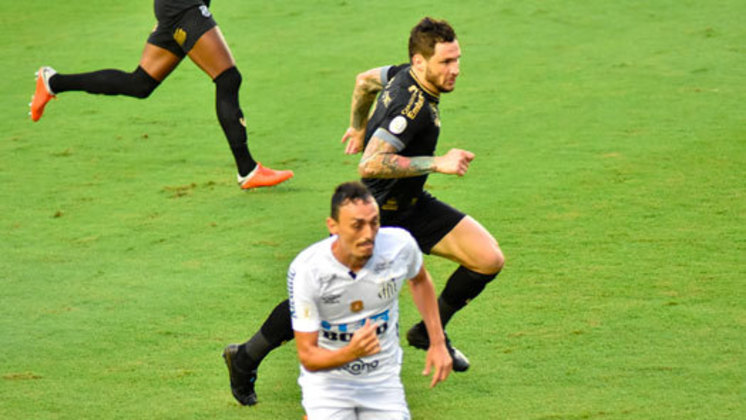 Ceará – SOBE: A equipe não deixou o gol sofrido abalar o time e conseguiu o empate. No segundo tempo, apertou e teve chance de virar o jogo / DESCE: Permitiu que o Santos dominasse o jogo na primeira etapa e ficou acuado na parte defensiva. Não conseguiu finalizar com sucesso para sair com a vitória.