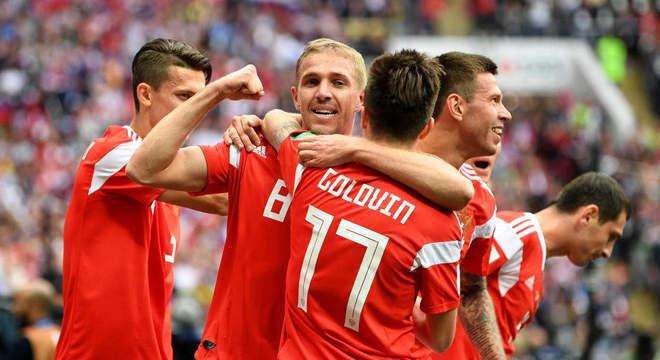 Celebração: o primeiro gol da Copa
