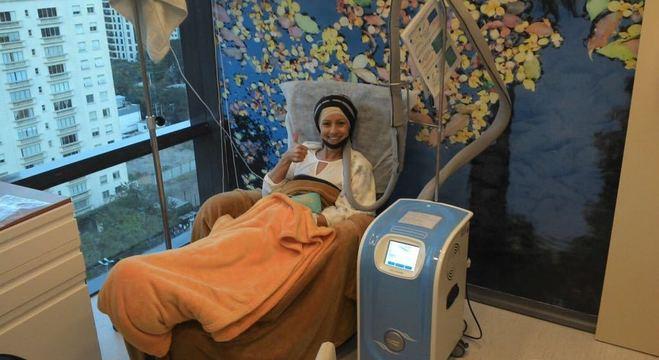 A aposentada Célia Lins, 59, usou a crioterapia em tratamento de câncer de mama