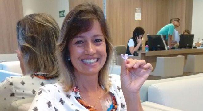 Célia logo após o tratamento de crioterapia, com o cabelo preservado