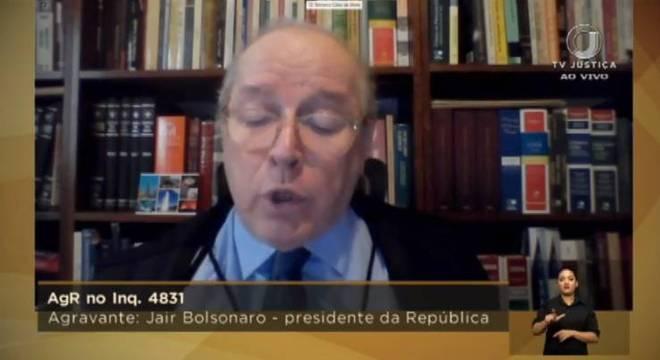 Ministro Celso de Mello, decano do STF, foi o primeiro a votar