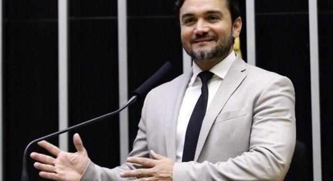 Deputado Celso Sabino (PSDB-PA) é um dos autores do requerimento e relator da reforma do IR