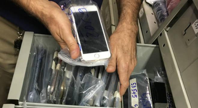Metrô registra quase 30 aparelhos celulares esquecidos por semana