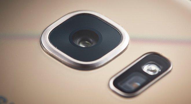 A câmera dupla, tão popular ultimamente, visa melhorar o efeito de profundidade e o foco nas imagens