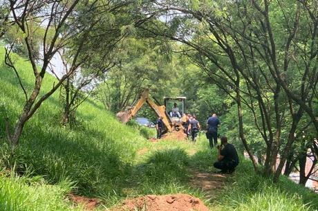 Cemitério clandestino descoberto na zona sul de SP