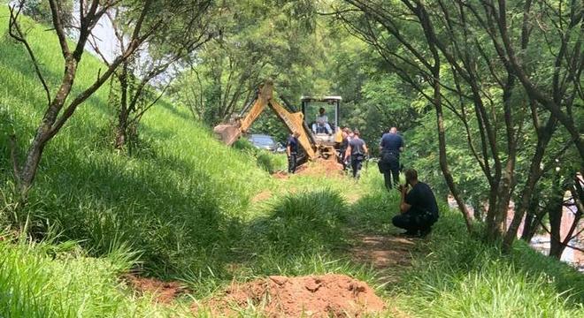 Foram encontradas sete ossadas e dois corpos em decomposição