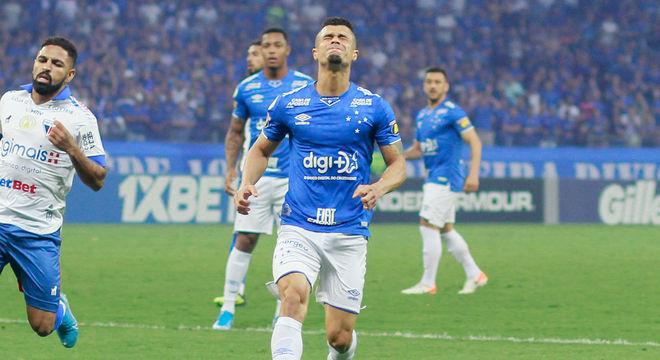 Em reencontro de Ceni com Cruzeiro, Fortaleza segura 1 a 1 no Mineirão