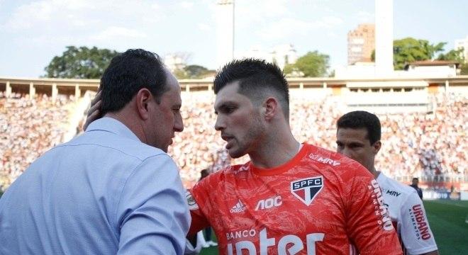 Rogério Ceni foi bastante assediado pelos jogadores do São Paulo