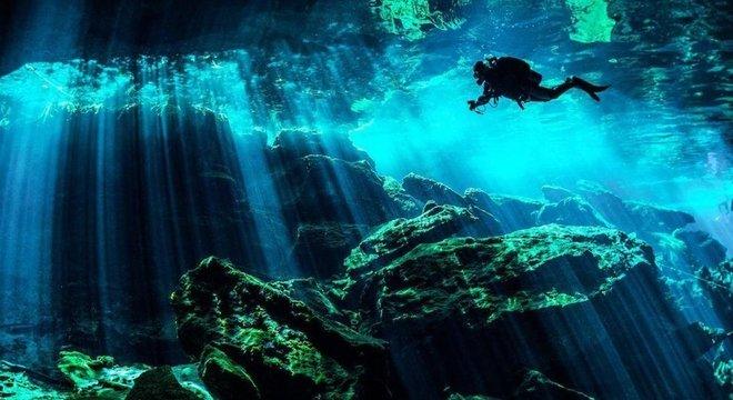 Para os antigos maias, cenotes eram portais sagrados através dos quais as pessoas se comunicavam com os deuses da chuva e da criação