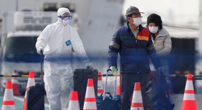 Centenas de passageiros do navio estão voltando para casa