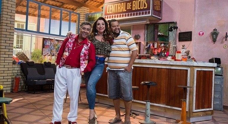 """Maurício Manfrini, Marisa Orth e Babu Santana na """"Central de Bicos"""", do Multishow"""