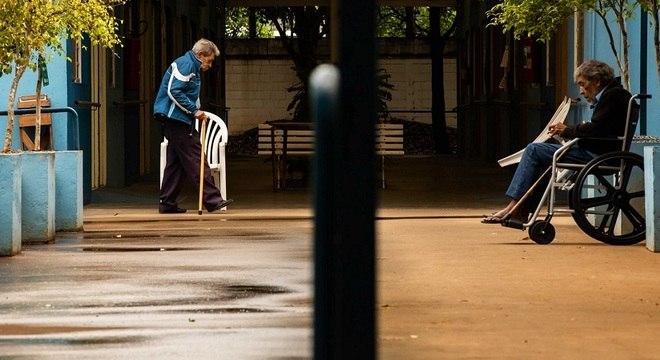 Cerca de 60 idosos moram no Sítio das Alamedas, centro de acolhida em São Paulo