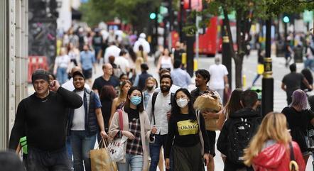 Cepa indiana pode mudar planos do Reino Unido