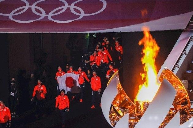 -FOTODELDÍA- EVE9665. TOKIO (JAPÓN), 08/08/2021.- El equipo olímpico japonés hace su entrada en el Estadio Nacional de Tokio (Japón) durante la ceremonia de clausura de los Juegos Olímpicos 2020, este domingo. EFE/Lavandeira Jr