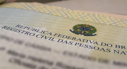 Criança terá nome de dois pais no registro