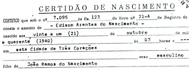 Certidão de Pelé grafa 'Edison' e nascimento em 21 de outubro