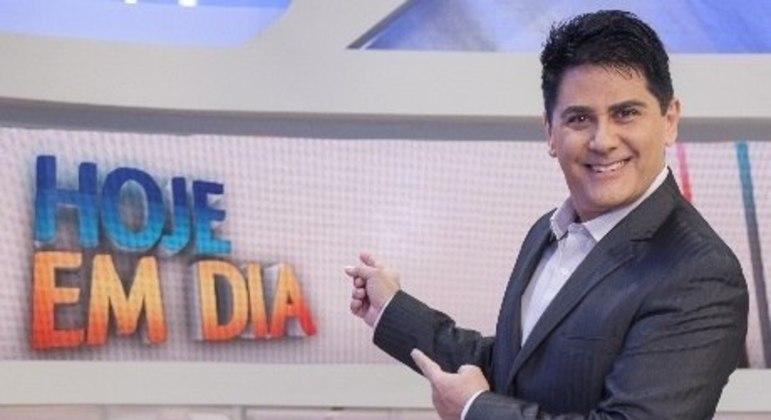 Cesar Filho reassume segunda-feira o comando do Hoje em Dia