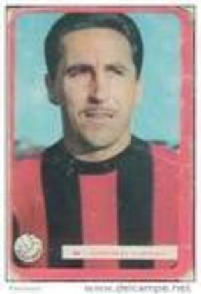 César González - Lateral-direito, jogou apenas quatro partidas pelo São Paulo, com um gol marcado, nos anos de 1950 e 1951.
