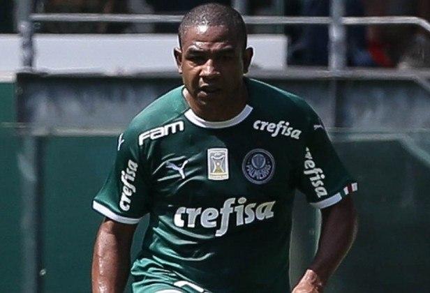 Cesar Sampaio: após pendurar as chuteiras, o ex-volante atuou como comentarista em rádio e também fundou uma empresa de gestão esportiva, além de ter sido gerente no Palmeiras. Atualmente, é auxiliar técnico da Seleção Brasileira.