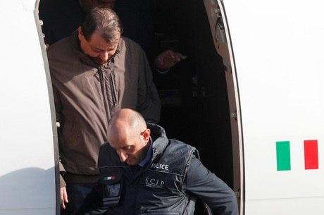 Italiano foi preso na tarde deste sábado (12)