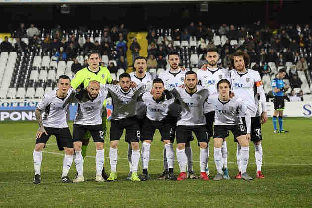 Cesena - Outro clube italiano a decretar falência e ter que reiniciar sua história na quarta divisão do futebol do país em virtude das altas dívidas bancárias que a entidade acumulou.