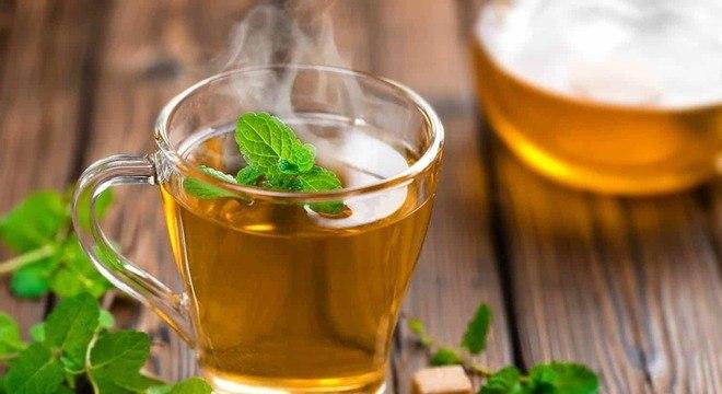 Chá de alecrim- para que serve, principais benefícios e contraindicações
